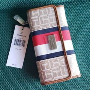 Tommy Hilfiger women Wallet Trifold checkbook